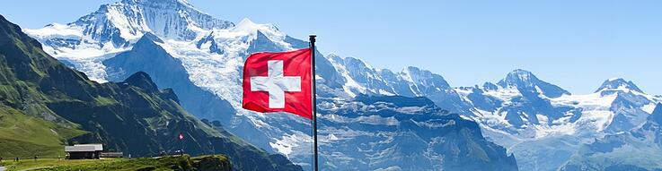 Switzerland-flag-mountains_shutterstock_284739959_1100px-02.jpg